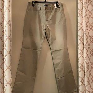 📌🏷 New York & Co Khaki Pant
